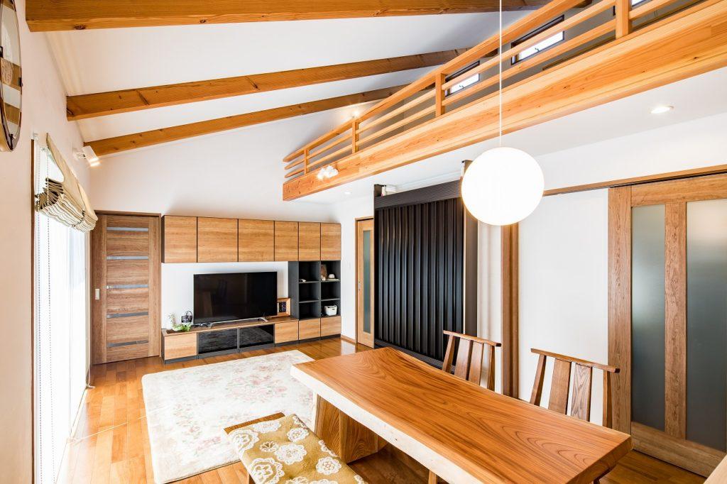 F-CON(光冷暖)の家は、空気の質が違うことを実感しています。