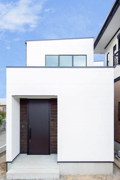 白を基調とした開放感のある家